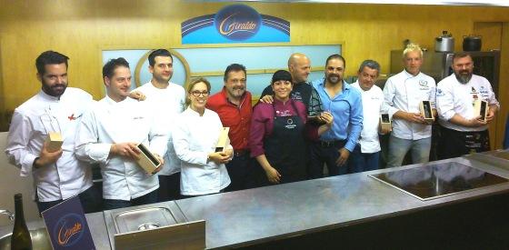 Los finalistas del concurso, con Patxi y Adolfo Giraldo. / JRP
